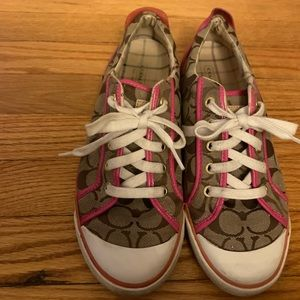 Coach Barrett sneakers sz 9 ladies logo with pink